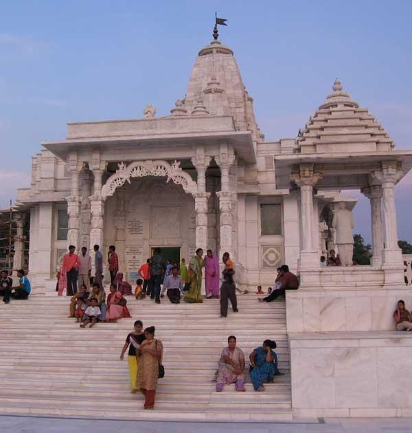 best-temples-to-visit-in-jaipur-sightseeing